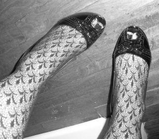 Fishnetshoes-bw